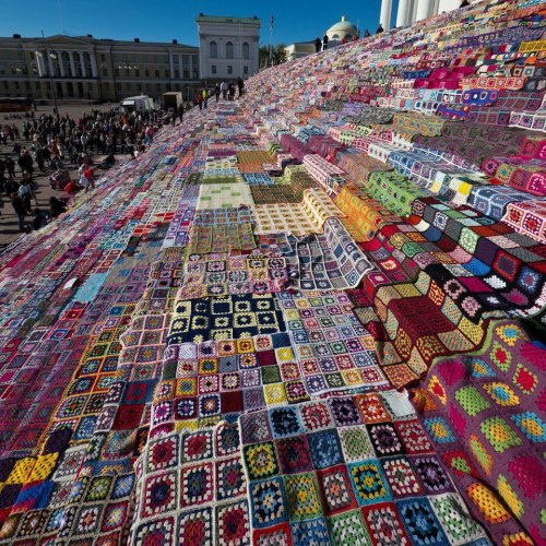 Helksinki Yarn Bombing, 1 October 2011